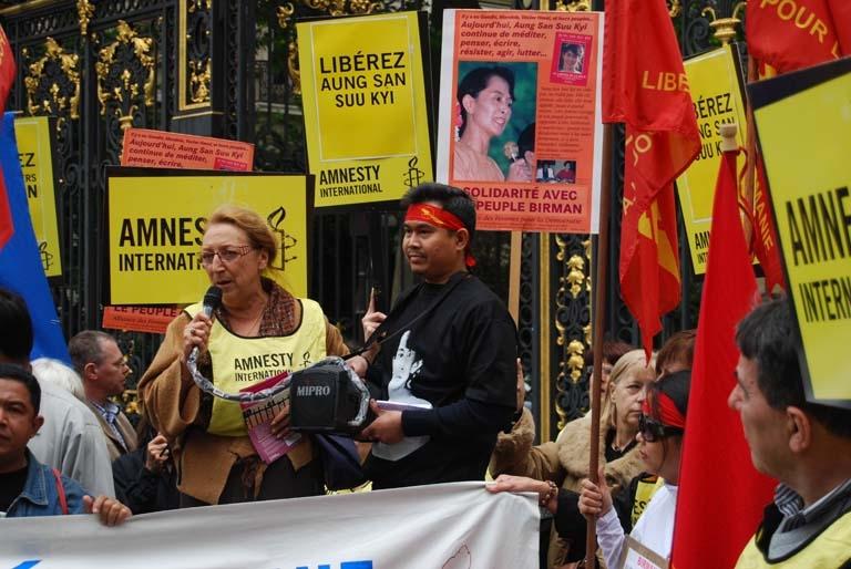 Mireille Boisson, lors d'une manifestation organisée par Amnesty International
