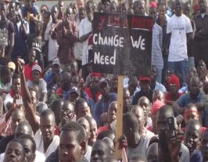 """Manifestation organisée par le collectif """"Y'en a marre"""", à l'occasion du 11e anniversaire de l'accession au pouvoir de Wade, le 19 mars 2011. DR"""