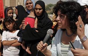 Yanar Mohammad lors d'une conférence à Bagdad en 2005.