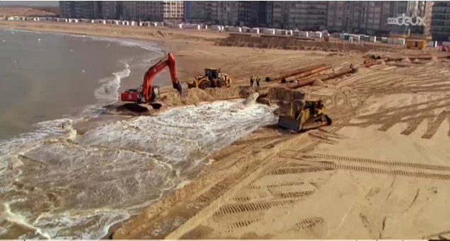 Les plages du Maroc subissent la frénésie de l'industrie sablière.