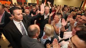 La candidat Front national Laurent Lopez après sa victoire, dimanche 13 octobre à Brignoles