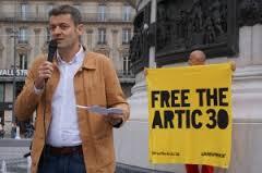 Jean-François Julliard, directeur général de Greenpeace France lors d'une mobilisation en faveur de la libération des prsonniers de l'Arctique à Paris