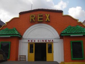 Le cinéma Rex, à Accra au Ghana
