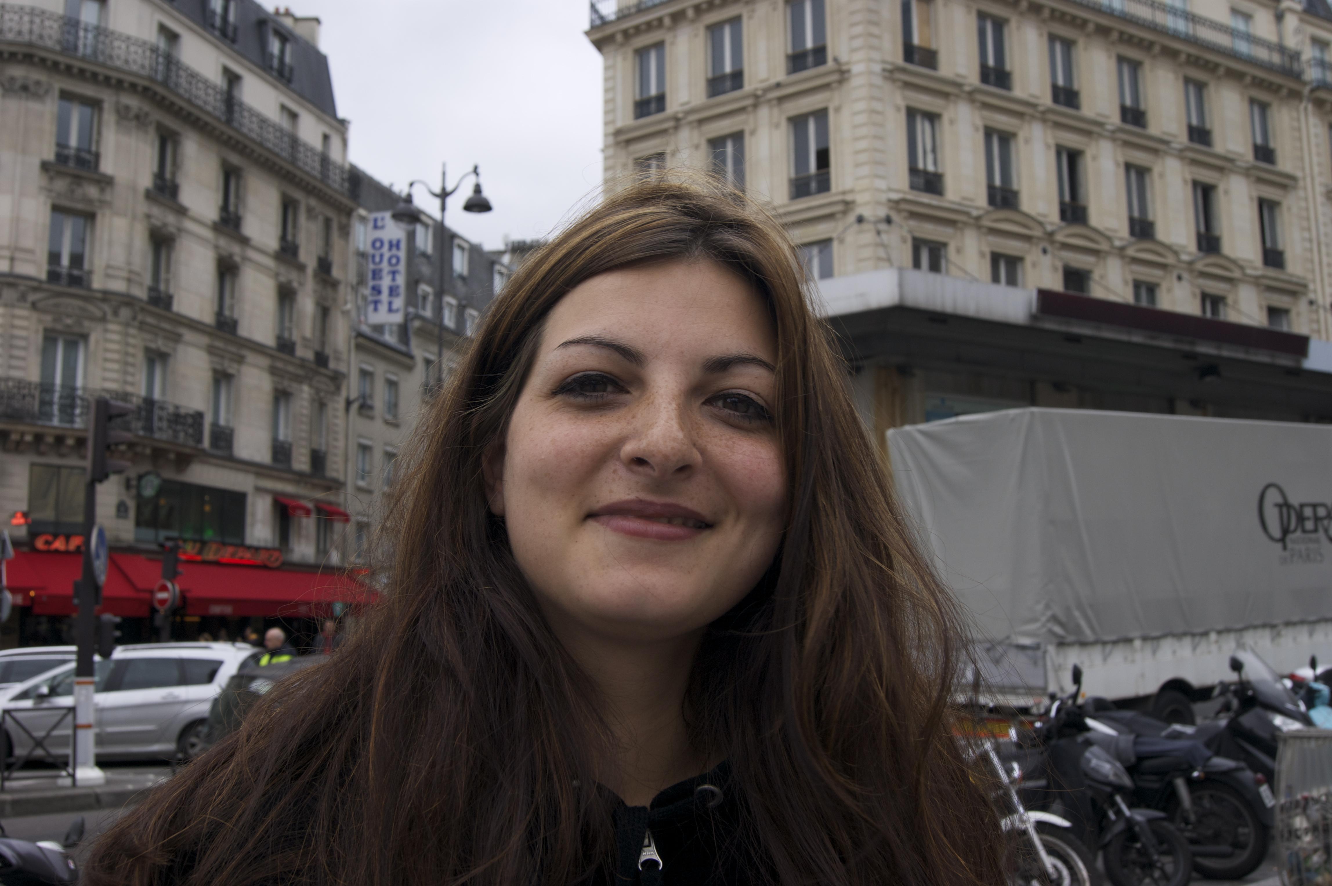 Cécile, 26ans, vendeuse en magasin
