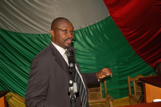 Me Bruno Hyacinthe Gbiegba à l'Assemblée nationale de la RCA à Bangui, mars 2014 © Alain Elorza