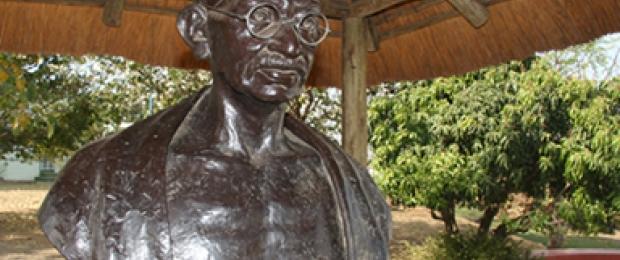 sat_main_img_Gandhi-statue_620_260_s_c1_