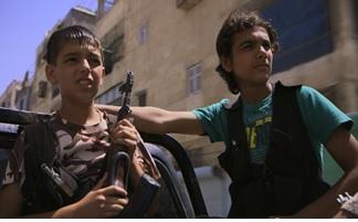 Moatez et Hussein au combat dans Alep (Syrie)
