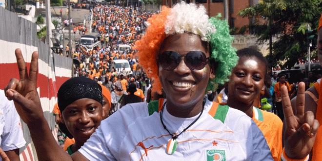 Liesse à Abidjan, après la victoire de la Côte d'Ivoire en finale de la Coupe d'Afrique des Nations - Février 2015 (SIA KAMBOU / AFP)