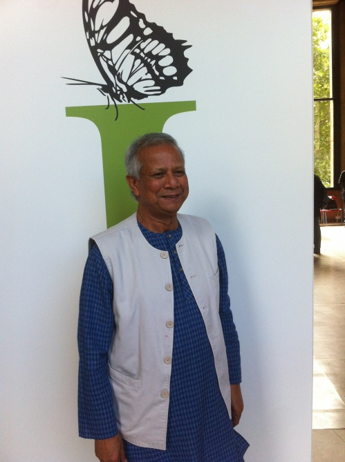 crédit Opinion Internationale - Muhammad Yunus