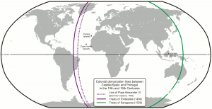 Les lignes définies les des traités de Tordesillas puis Saragosse : à l'Ouest de la ligne violette, les possessions espagnoles, à l'est les portugaises.Crédit : Flappiefh / Wikimedia