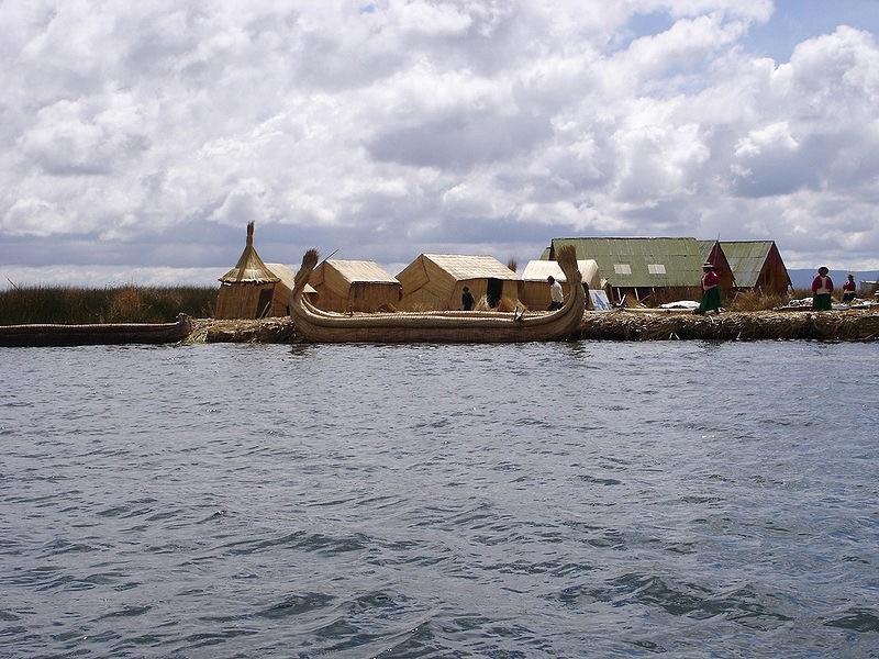 Les îles d'Uros, lac Titicaca. Crédit : Mathias Ripp/Flickr