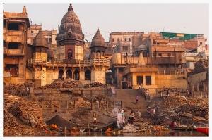 La pollution des eaux de surface - y compris celle du Gange, le fleuve sacré des Hindous - est devenu un enjeu de santé publique - Crédit : Andrea Moroni / Flickr CC