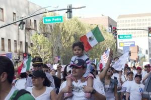 Marche d'immigrants mexicains aux Etats Unis. Crédit: WCommons