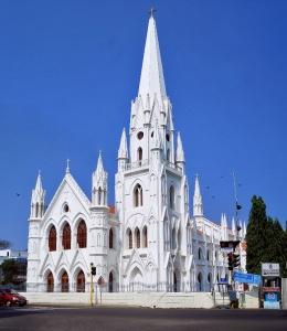 La basilique Saint Thomas, à Chennai. À Noël, de nombreuses célébrations n'ont pu avoir lieu. Crédit : Ankitesh Jha / Wikimedia Commons