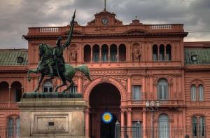La façade avant de la Casa Rosada, siège du gouvernement d'Argentine. Crédit photo : Gino Lucas Turra / Creative commons