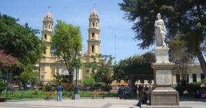 Plaza de Armas de la ville de Piura, capitale de la région de Piura. Crédit photo: Melhky Enriquez (Creative Commons)