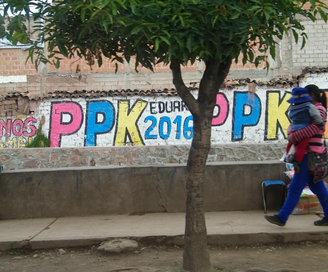 « PPK » pour Peruanos Por el Kambio, représenté par Pablo Pedro Kuczynski, en deuxième position selon les sondages. Izcuchaca, région de Cusco. - Crédit photo : Corinne Duquesne