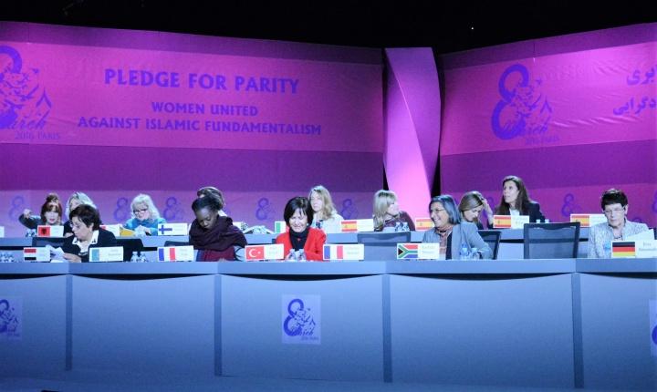 De nombreuses femmes politiques de nationalités différentes étaient présentes - Crédit photo : Stéphanie Petit pour Opinion Internationale