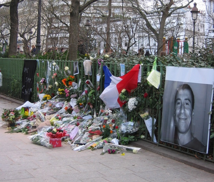 Lieu de l'assassinat du policier, Ahmed Merabet en janvier 2015 - Crédit photo : Henri Docquin