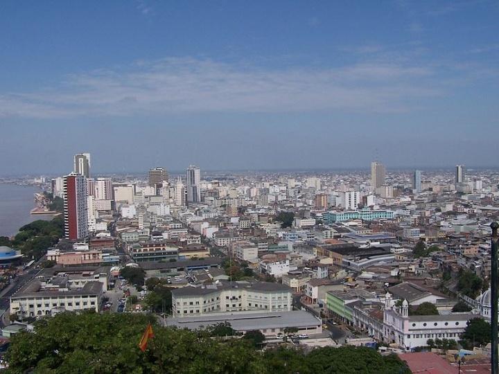 Vue de Guayaquil, en 2007. Crédits : Charles Pence (Creative Commons)