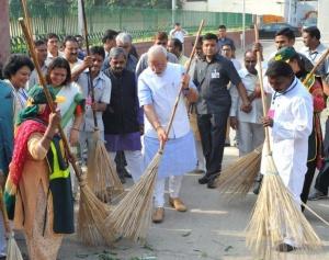 Campagne « Inde propre ». Crédit : EPA