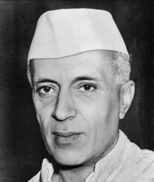 Nehru était le premier des dirigeants indiens à tracer la voie du non-alignement, aujourd'hui encore pilier de la diplomatie indienne - Crédit photo : Royroydeb, Wikimedia Commons