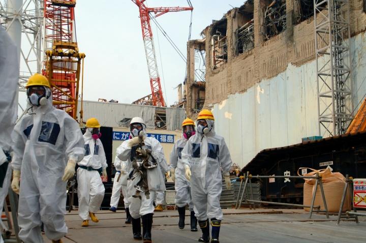 Experts de l'agence internationale de l'énergie atomique sur le site de Tepco - Crédit photo : Greg Webb / IAEA