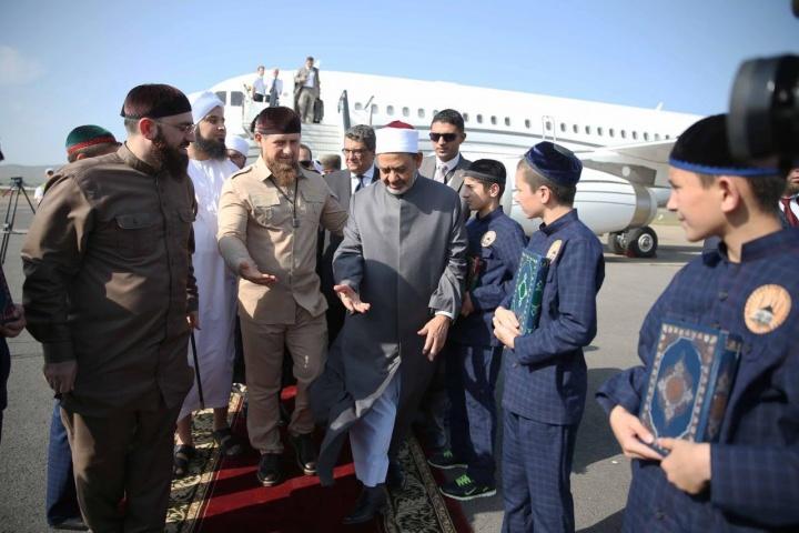Kadyrov, président tchétchène, accueille l'Imam d'Al-Azhar