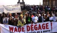 manifestation d'opposants aux président Wade à Paris. DR