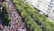 Manifestation sur l'avenue bourguiba à Tunis ©Amine Ghrabi