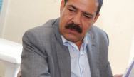 Chokri Belaid dans le bureau du mouvement des Patriotes Démocrates le 3 octobre 2011