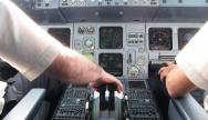 Intérieur du cockpit de l'A320 - Crédit photo : Olivier Cleynen
